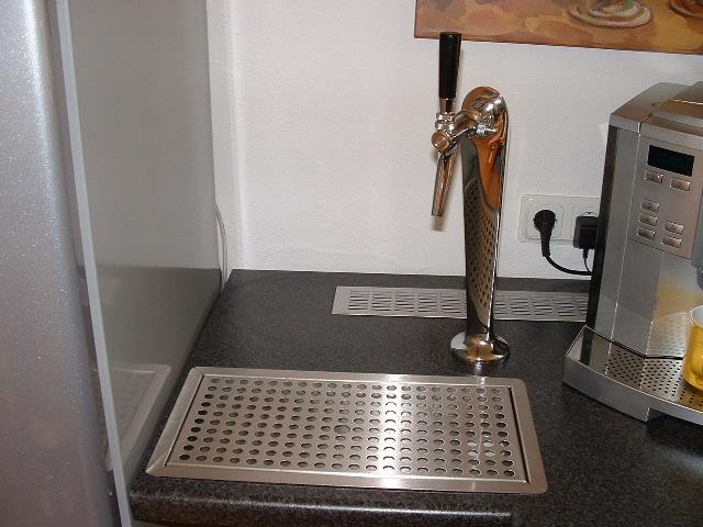 Kühlschrank Bei Aldi Süd : Kühlschrank mit zapfanlage selber bauen laura duncan